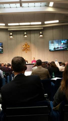 """Pressekonferenz während der Synode in der """"sala stampa"""" (Foto: M. Bräuer)"""