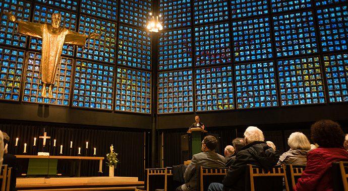 Eröffnung der Generalversammlung in der Kaiser-Wilhelm-Gedächtnis-Kirche am 27.10.2016 (Foto Genthe)