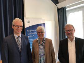 Referenten v.l.n.r. Direktor Dr. Johannes Oeldemann (Johann-Adam-Möhler-Institut, Paderborn), Dr. Dagmar Heller (Konfessionskundliches Institut Bensheim), Kirchenrat Hans-Martin Gloel (München)